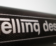 Gravering af logo og navne i alu produkter.